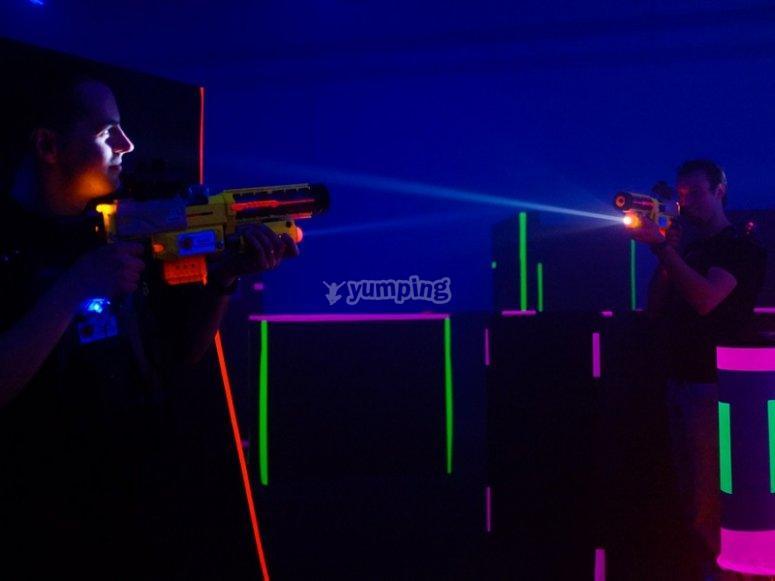Tag laser con amici