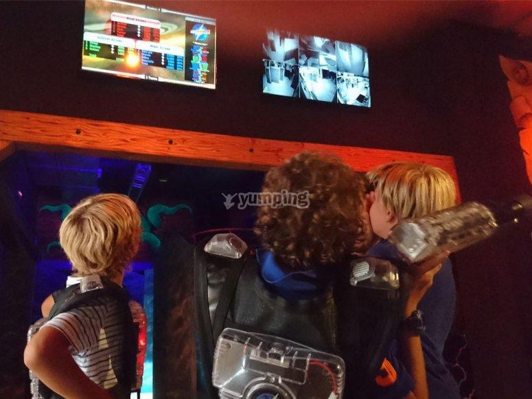 Familiar laser tag game at Castelldefels + meal