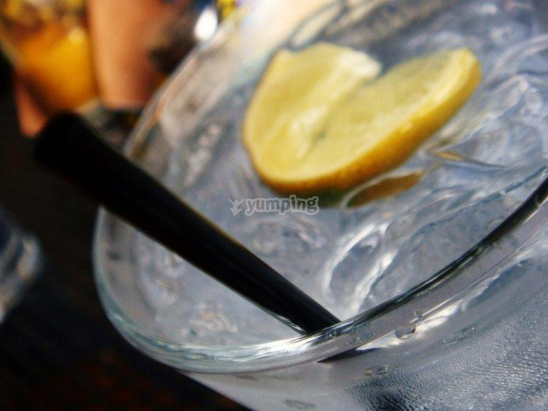 3 Mini Gin Tonic Premium tasting in Madrid
