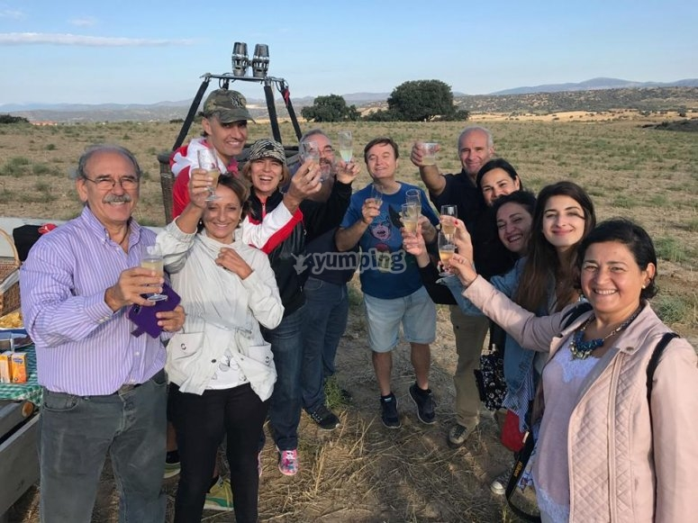 A toast with cava after the baloon flight