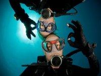 享受水下世界