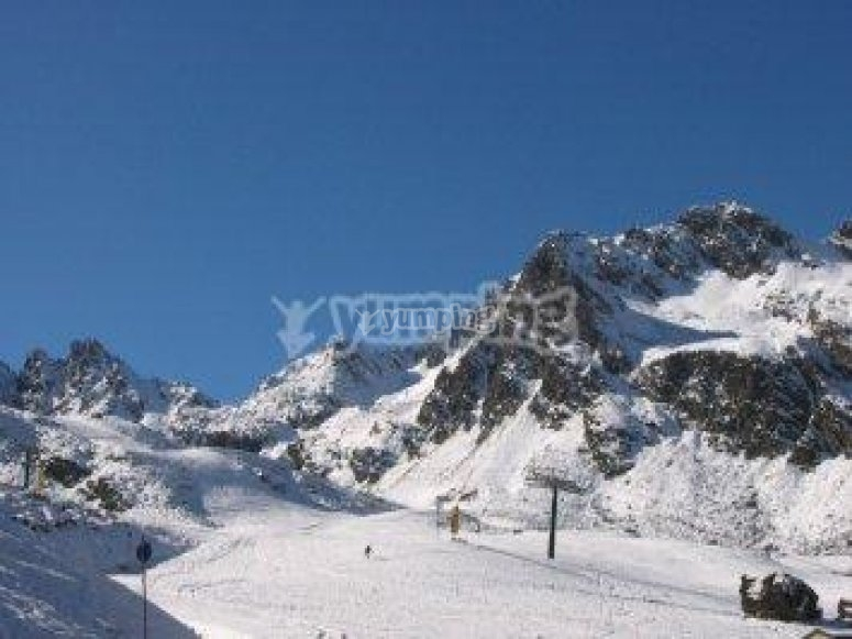 ¡Ve a esquiar a Andorra!