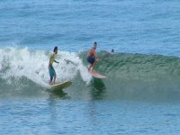 Alumnos surfistas
