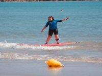 Practica surf un dia, una semana o todo el verano