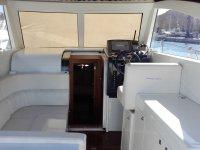 Interior del barco en color blanco