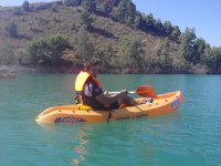 个人皮划艇在穆尔西亚湖