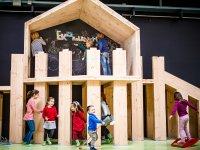 木制剧场在Ekogunea阅读