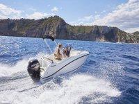 Navega por las calas de la costa de Castellon