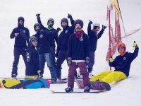 Aficionados al snowboard en Madrid