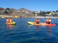 Navegando en kayak en Arroyo de la Miel