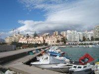 Barcos a la espera en Estepona