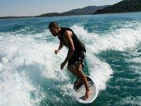 Probando el wakesurf