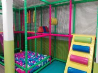 Ball pool and obstacle area