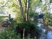 骑自行车休息