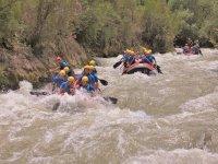 Rafting con amigos en Málaga