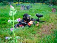 Partidas de paintball en la naturaleza