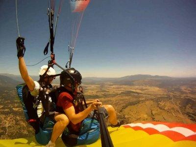 Bautismo de vuelo en parapente Alarilla + vídeo HD