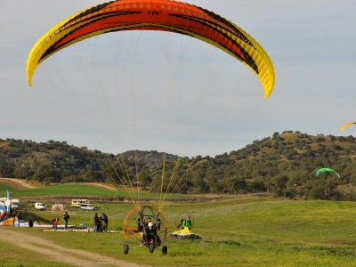 15-Minute Paramotor Baptism Flight Near Madrid