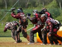 Paintball team attacking