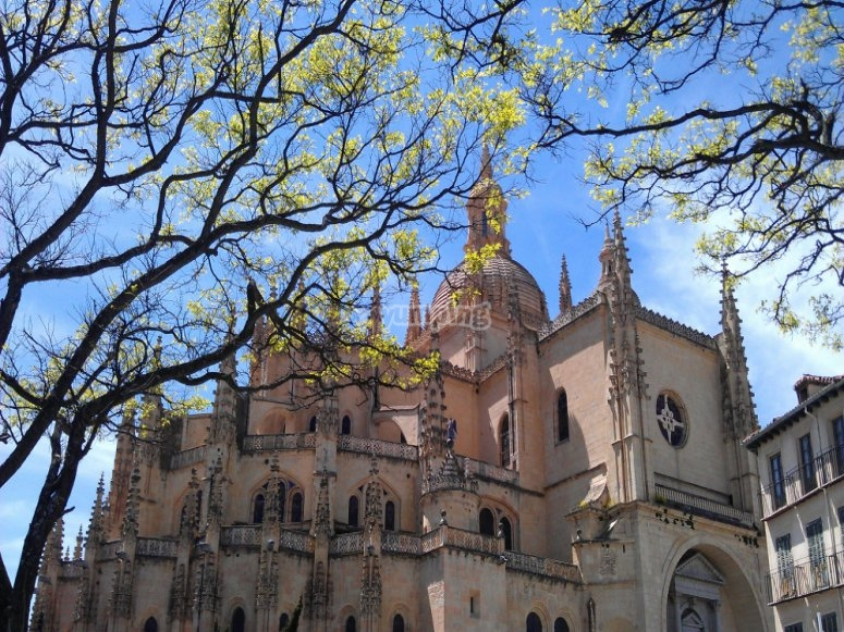 Recorriendo casco historico Segovia