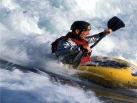 Canoa in rapide