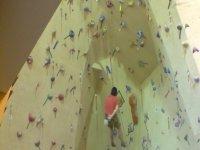 Initiation to climbing on a climbing wall