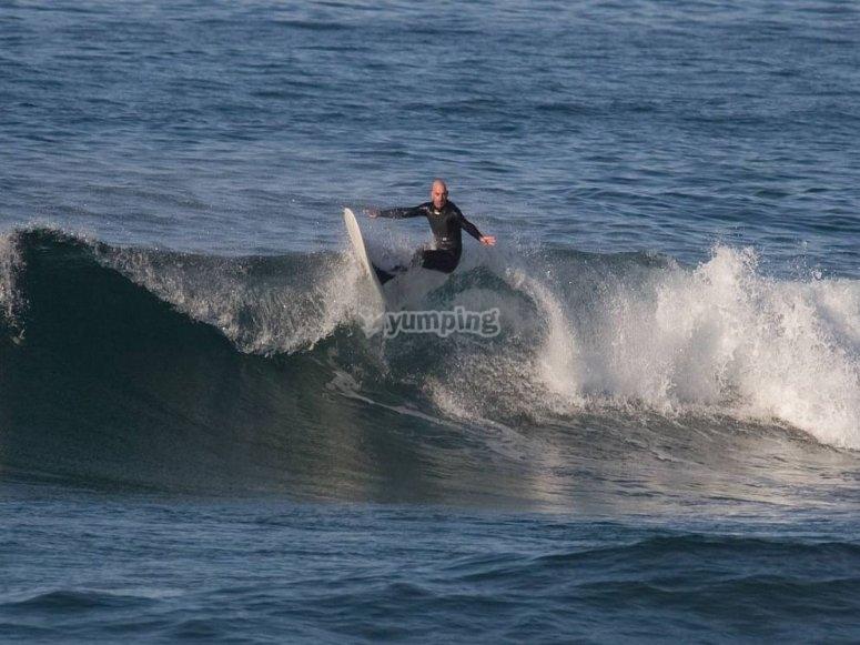 Surfeando las mejores olas