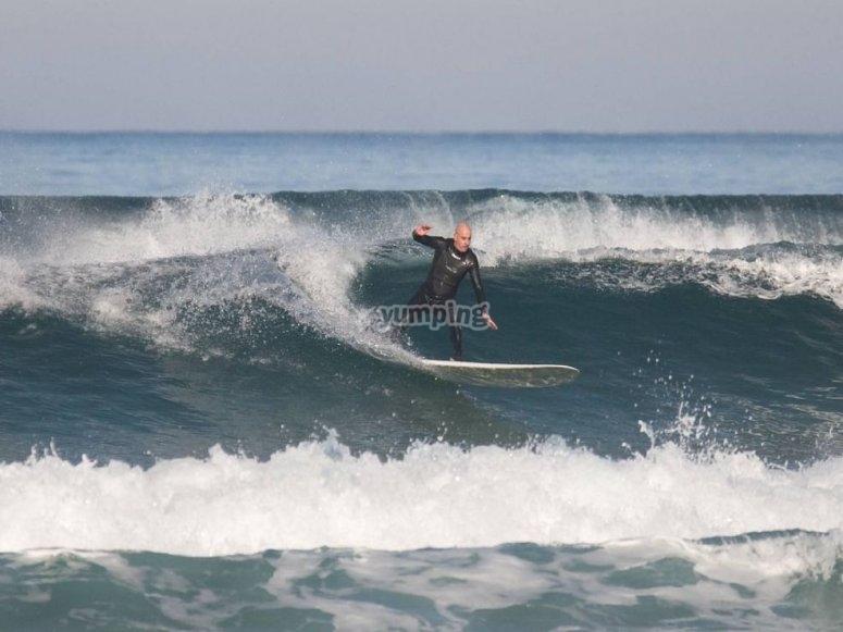 Descubre al Campeón Mundial de Surf para Sordos
