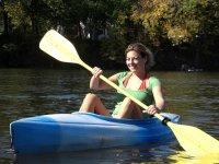 remando encima del kayak