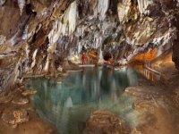 映射到东方的地下洞穴的地下洞穴
