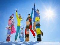 Ven a hacer snowboard con tus amigos