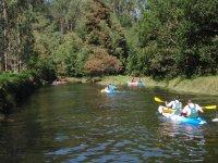 suecando el rio en kayak