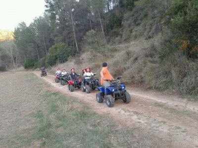 Guided tour on electric quad in Cofrentes. 30 min.
