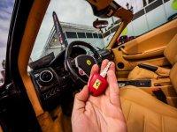 Regalar una experiencia en Ferrari