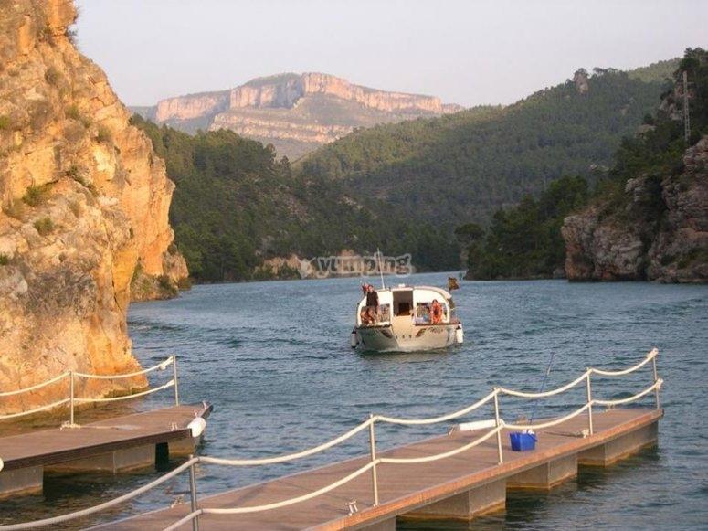 Ruta fluvial en barco por río Júcar