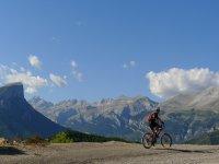 Alquiler de bici medio día, pantano de Barasona