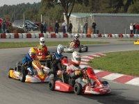 Disfruta de una carrera de karting