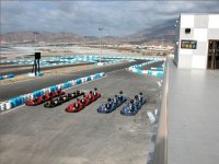 Vista conjunta del circuito y karts