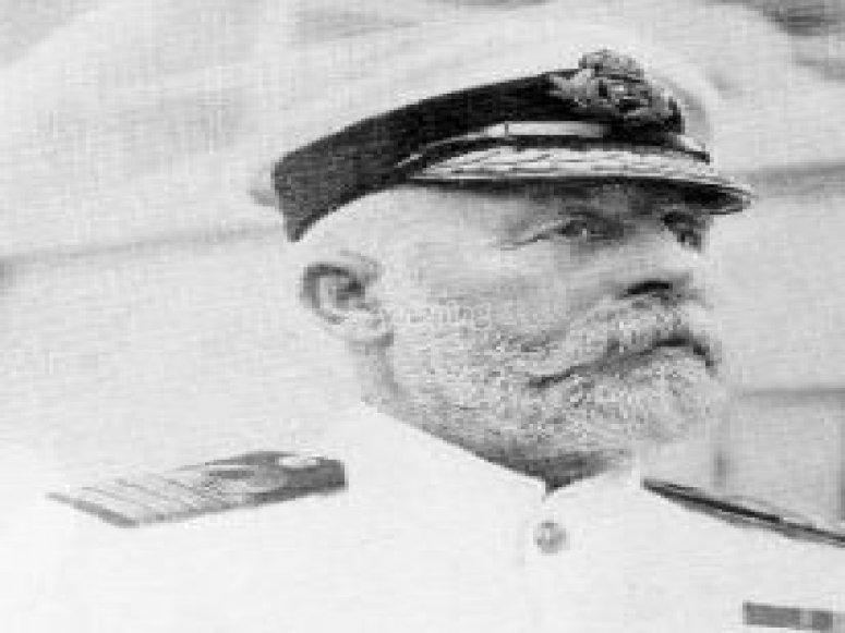 El capitán Edward John Smith