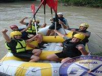 漂流在格拉纳达瓜达尔费奥河漂流
