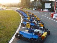 Karts a la espera de los pilotos