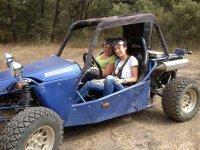 Amigas de excursion en buggy