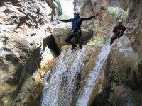 Salto de barranquismo en el Cabriel