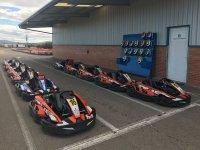 Karts y cascos circuito de Zuera