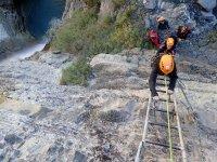 Podras descubrir un deporte entre la escalada y el montanismo