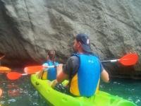 Pasajeros del kayak verde