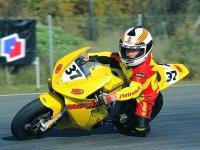 Niño en la moto