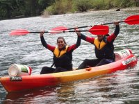 Lift the paddle in the kayak