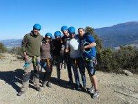 确保会议与团队遵循铁索攀岩登山者到达