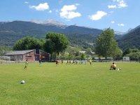 Excelente campo de futbol